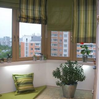 Римские шторы и текстиль на балконе Евгении.