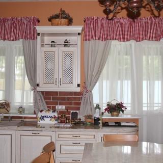 Уютные шторы в кухню Натальи и Александра.