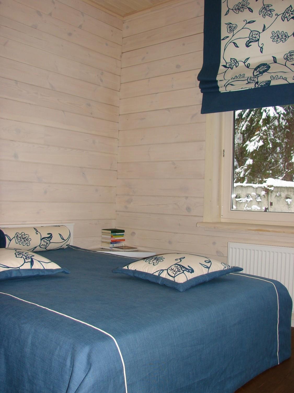 Глубокий, насыщенный, синий текстиль в спальню.