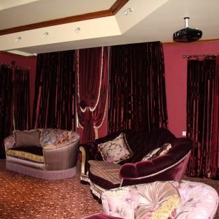 Шторы в гостиную-кинозал. Блэкаут, плотные, бархат.