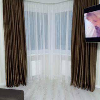 Современная штора в гостиную